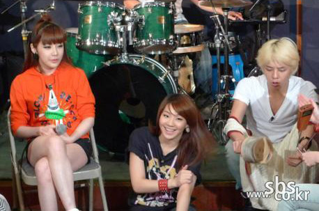 20091003_gd2ne1studio_main