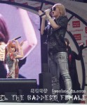 2NE1_110417_angel-price-music-feastival_03