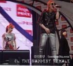 2NE1_110417_angel-price-music-feastival_05