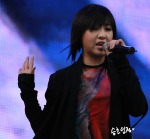 2NE1_110417_angel-price-music-feastival_09