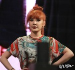 2NE1_110417_angel-price-music-feastival_25